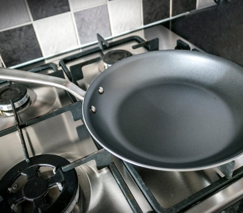 Things to consider when buying an omelette pan