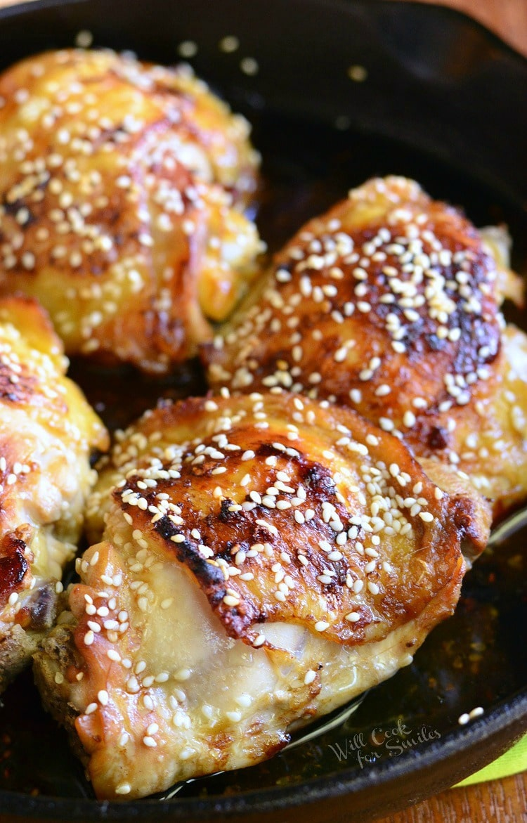 Delicious Sesame Roasted Chicken Thighs