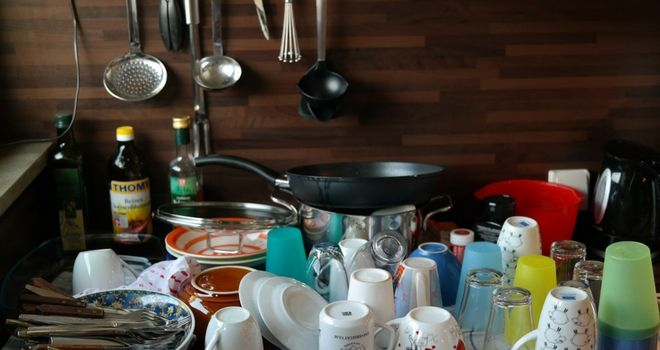 clean your cookware in the sink